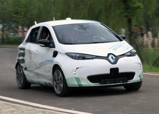 体验4级自动驾驶 雷诺自动驾驶车试乘